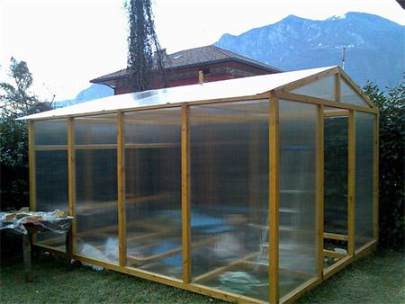 Di serra in serra gran fermento nel club for Costruire serra legno